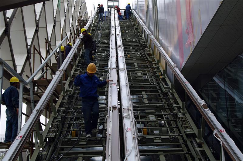 商场扶梯安装